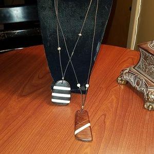 2 Wood pendant necklace
